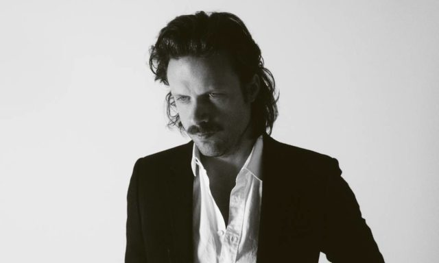 Father John Misty lançou o sarcástico Pure Comedy